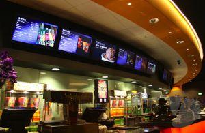 pantallas en restaurante