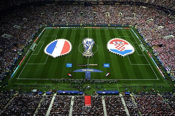 1200px-Final_of_the_Soccer_World_Cup_Russia_between_the_national_teams_of_France_and_Croatia_opt